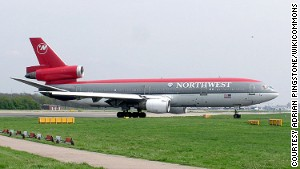 In 2007, Northwest Airlines became the last major carrier to retire the DC-10 from passenger service in the United States.