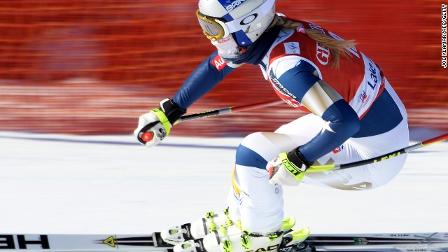 Lindsey Vonn showed glimpses of her old form in her second comeback race at Lake Louise in Canada.