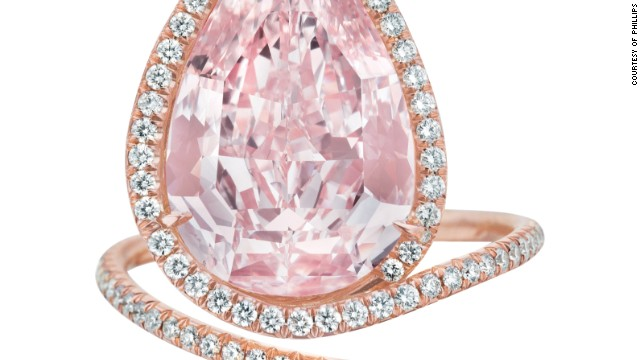 This magnificent fancy pear-shaped pink diamond ring was sold for almost $3 million at Phillips 'Fall Jewels' auction in New York on December 9.