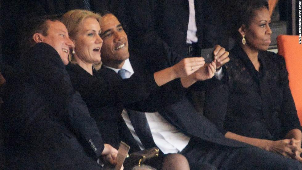 Famosos tomándose 'selfies'
