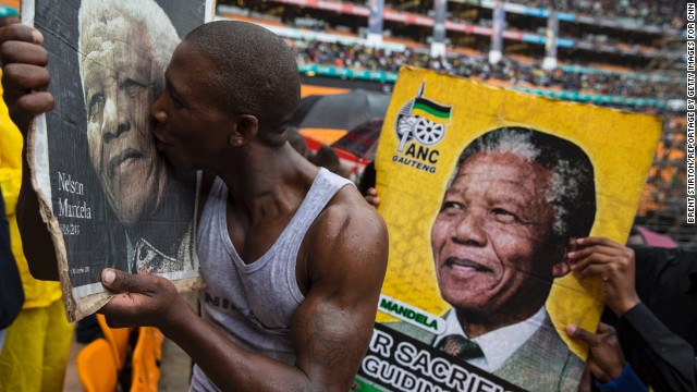 Nelson Mandela to lie in state...