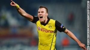Kevin Grosskreutz scored a late goal for Borussia Dortmund against Marseille to give the German side a vital win in Champions League Group F.