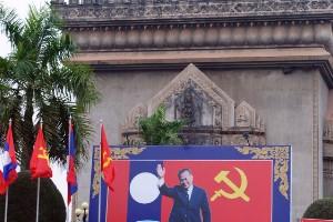 3. Ve a un país comunista Cuba está fuera, ya que Fidel quitó una prohibición de la Navidad en 1998. Esto nos