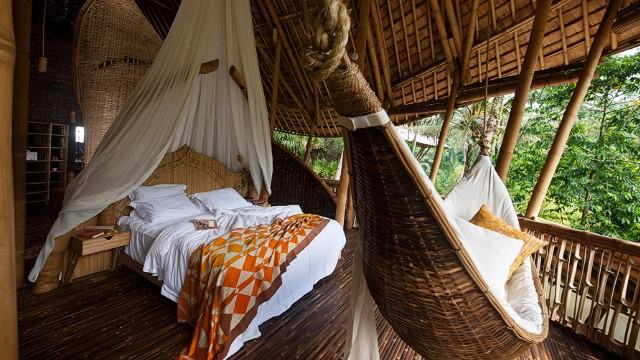 Lucky villa dwellers can choose whether they want to enjoy breathtaking jungle views from their king-size bed or the comfortable hammock.