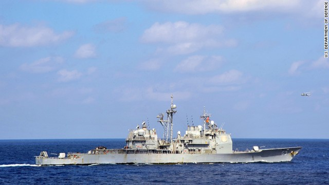 U.S., Chinese warships come dangerously close