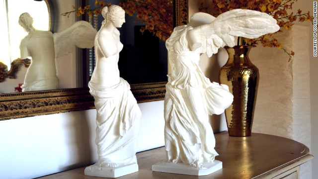 "The artist Cosmo Wenman created the first-ever publicly available 3-D prints of the sculptures Venus de Milo and the Winged Victory of Samothrace. ""This technological moment will reverberate in our art for thousands of years,"" Wenman wrote on his <a href='http://www.cosmowenman.com' target='_blank'>web site</a>. They were made with an inexpensive, consumer-grade 3-D printer and cost around $5 each to produce."