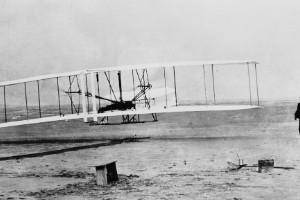 1903: primer vuelo propulsado