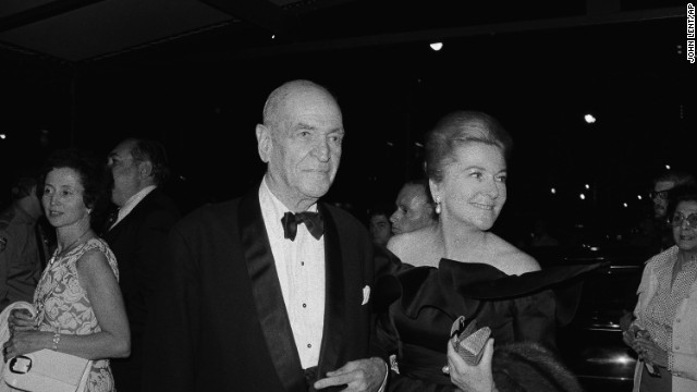 Fontaine and George Oppenheimer attend a 1974 gala honoring Hitchcock in New York.