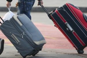1970: se inventó la maleta con rodos