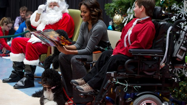 A holiday tradition: First lady visits children's hospital