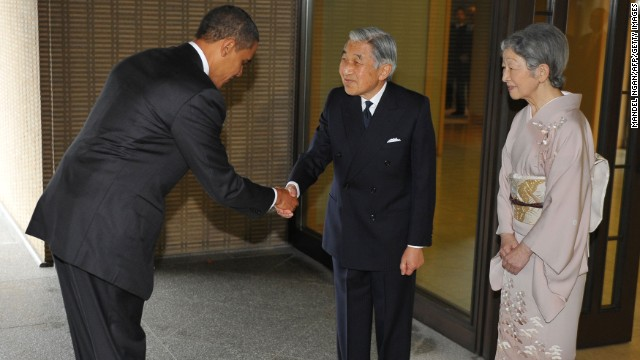 The Emperor as the Empress greet U.S. President Barack Obama at the Imperial Palace on November 14, 2009.