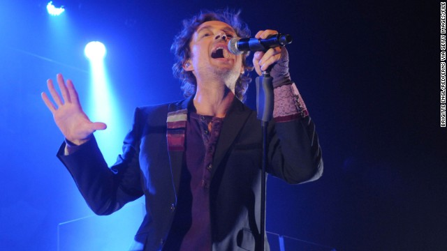 "Former Savage Garden singer Darren Hayes told a Twitter user he did not know the band's ""The Animal Song"" was being used during SeaWorld's performances. He said he has written to his publisher about it."
