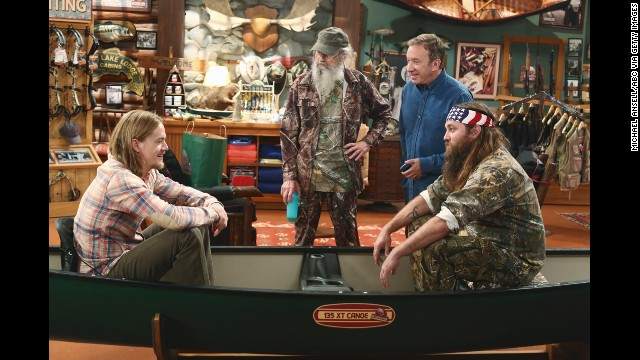 "Willie and Si guest-star in the season premiere of the ABC show ""Last Man Standing."""
