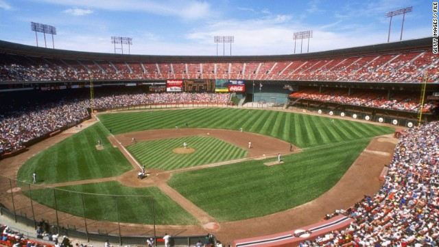 General view of Candlestick Park during a Giants game in 1989. The Giants have since moved to a much nicer park.