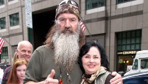 131227182934-phil-robertson-01-1227-left-tease.jpg