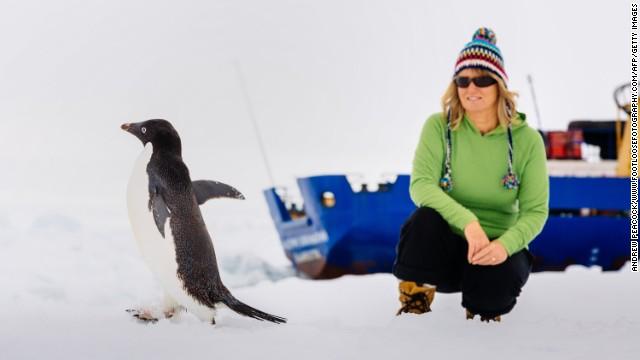 Aplazan por mal tiempo el rescate del barco atrapado en la Antártida