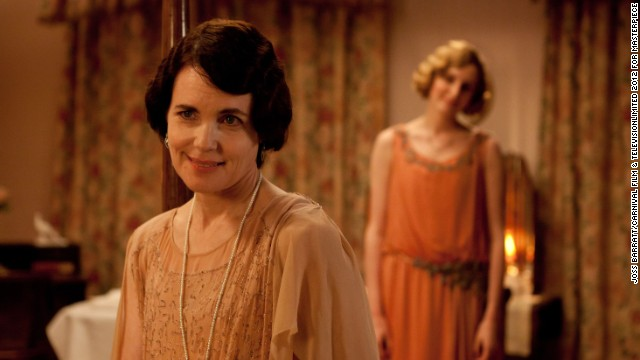Cora (Elizabeth McGovern) must put aside her duties as Lady Grantham and help her eldest daughter in her time of need.