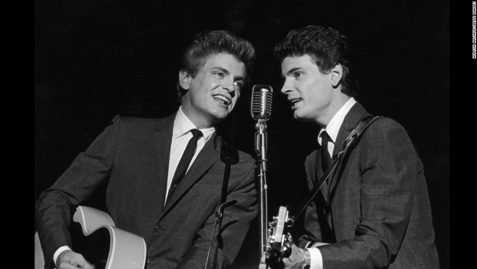 Singer<a href='http://www.cnn.com/2014/01/03/showbiz/singer-phil-everly-dies/index.html?hpt=hp_t1' target='_blank'> Phil Everly</a>, left, one half of the groundbreaking, smooth-sounding, record-setting duo the Everly Brothers. has died, a hospital spokeswoman said. He was 74.