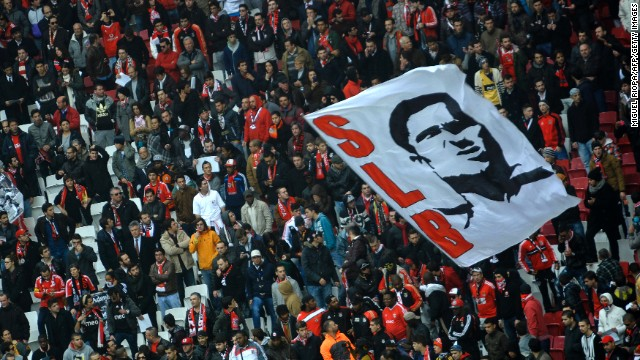 Fans unfurled a banner with Eusebio's face on it as the coffin was paraded around the stadium.