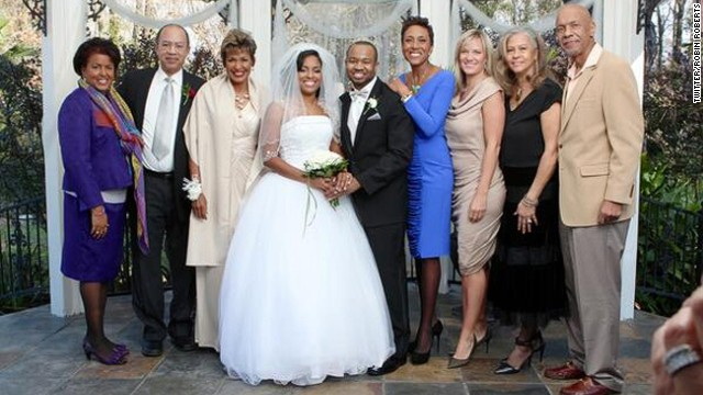 'Happy,' 'healthy' Robin Roberts shares photo of girlfriend