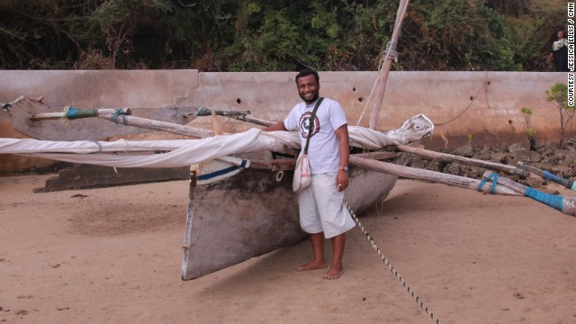 The main material they use is a canvas called tanga in Swahili, the old sails from the fishermen's traditional boats.