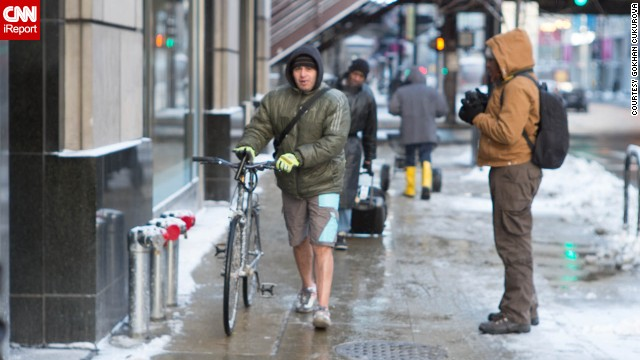 Is this guy nuts?! He's sporting shorts in Chicago on January 6, when the temperature did not rise above 0 degrees Fahrenheit.
