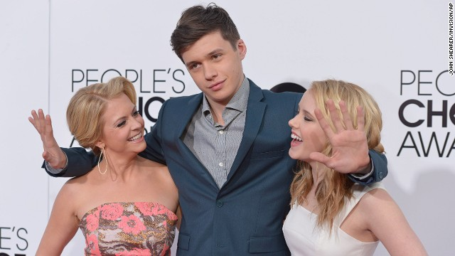 From left, Melissa Joan Hart, Nick Robinson and Taylor Spreitler