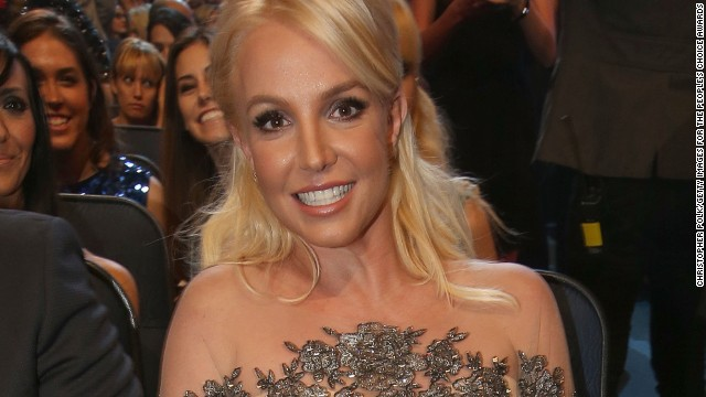 Britney Spears' abs are amazing, and more news to note