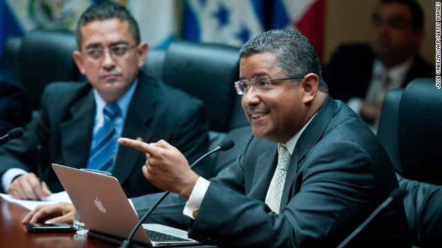 Investigan al expresidente de El Salvador Francisco Flores por supuesta malversación