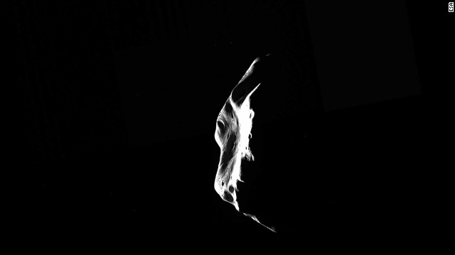 On July 10, 2010, Rosetta flew about 1,864 feet from asteroid Lutetia, which is 10 times larger than asteroid Steins.