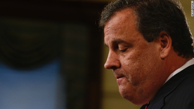 Are controversies helping Christie with conservatives?