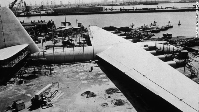 At the time it was built, the H-4 was the world's largest airplane. It had to be moved in sections from its construction site on Los Angeles' west side, south to its Long Beach hangar.