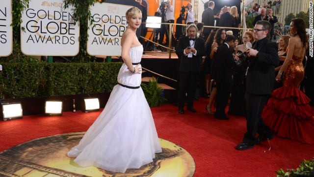J. Law's Globes photobomb and the rise of #lawrencing