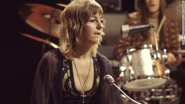Christine McVie performs on stage with Fleetwood Mac in 1971.