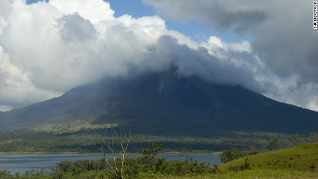 Spend Christmas kayaking and stand-up paddling on Lake Arenal and elsewhere in Costa Rica.