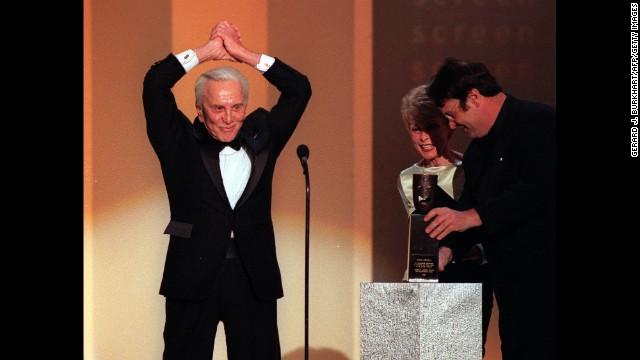 Kirk Douglas (1998)