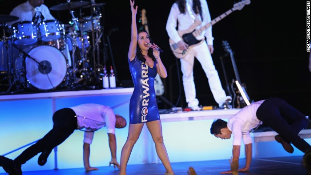 Katy Perry wants to talk aliens with Obama, might have won Wisconsin for him