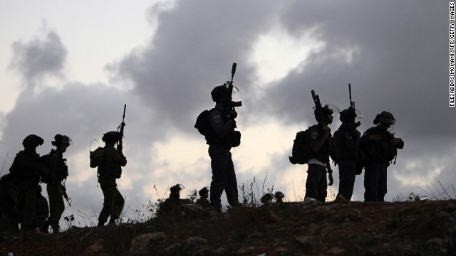 [File photo] Israeli soldiers in Betunia near the West Bank city of Ramallah on October 4, 2013.