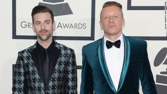 Ryan Lewis backing mother, an HIV survivor