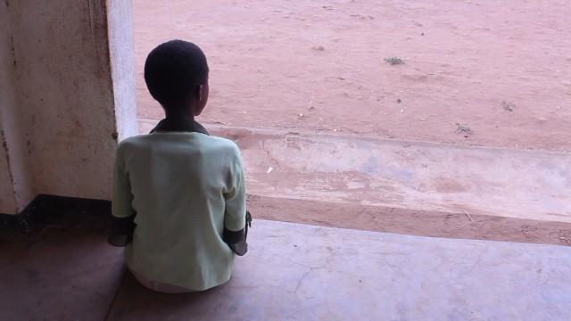 Las niñas de Malawi aprenden a tener sexo en un campamento