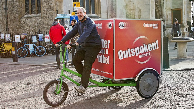 Many bikes can handle loads of up to 250kg (550 pounds). Courier company Outspoken Delivery. in Cambridge, England, is able to carry 100 packages at a time.
