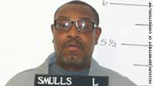 Herbert Smulls was convicted of killing a jewelry store owner and wounding his wife during a 1991 robbery.