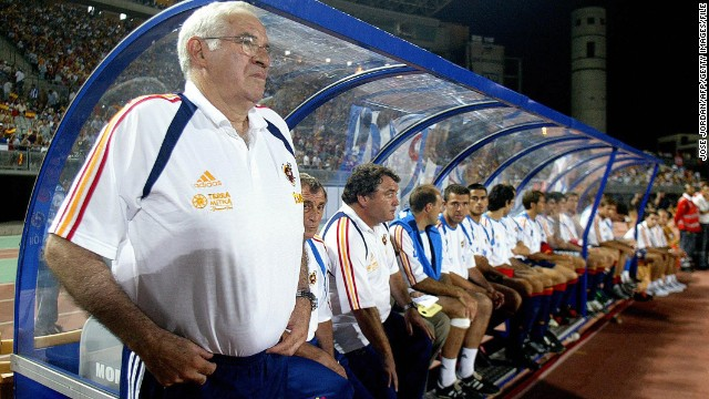 Aragones took charge in 2004, with his first match against Venezuela, and overhauled the team's playing style after a last-16 exit at the 2006 World Cup.