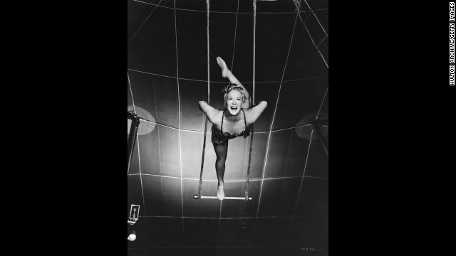 "Producer-director Cecil B. DeMille had been making epics since the silents, but none had won best picture until ""The Greatest Show on Earth,"" a 1952 circus spectacular with Betty Hutton, pictured, and Charlton Heston. Many critics and fans dismiss the movie as one of the worst best picture Oscar winners. ""Singin' in the Rain,"" considered <a href='http://www.afi.com/100years/musicals.aspx' target='_blank'>Hollywood's greatest movie musical</a>, wasn't even nominated that year."