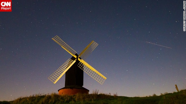The Geminid meteor shower puts on a spectacular display in the skies above a windmill in Buckinghamshire. See more photos on <a href='http://ireport.cnn.com/docs/DOC-1068686'>CNN iReport</a>.