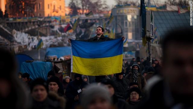Los manifestantes ucranianos desalojan el ayuntamiento tras tres meses de ocupación