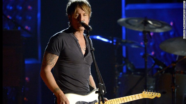 Keith Urban's Boston-area show was