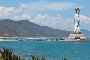 Guanyin del mar del sur de Sanya, China