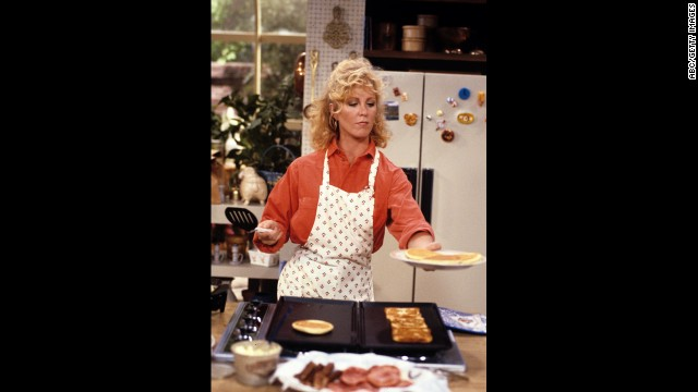 "Joanna Kerns as Maggie Seaver, a reporter, in ""Growing Pains."""