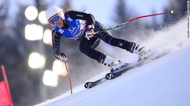 Una esquiadora libanesa de los Juegos de Sochi hace topless y causa revuelo